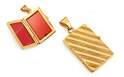 Zlatý gravírovaný medailón na fotku pruhovaný IZ11477