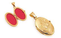 Zlatý medailón na fotku s gravírovaným kvietkom IZ11488
