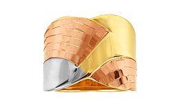 Zlatý trojfarebný prsteň s gravírom IZ10020