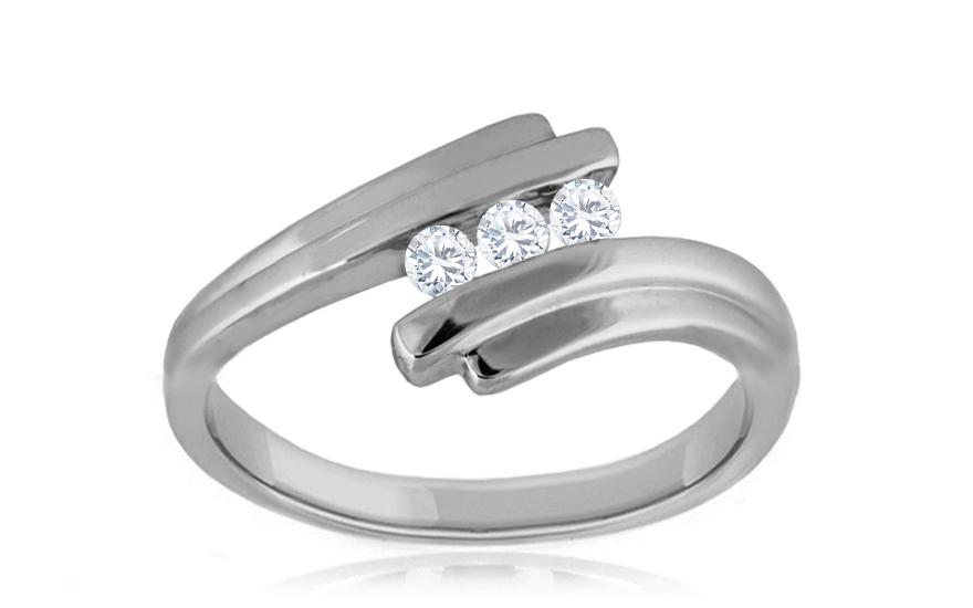 b86b511fe Zásnubný prsteň s 0,100 ct diamantmi Biane Romance KU269 ...